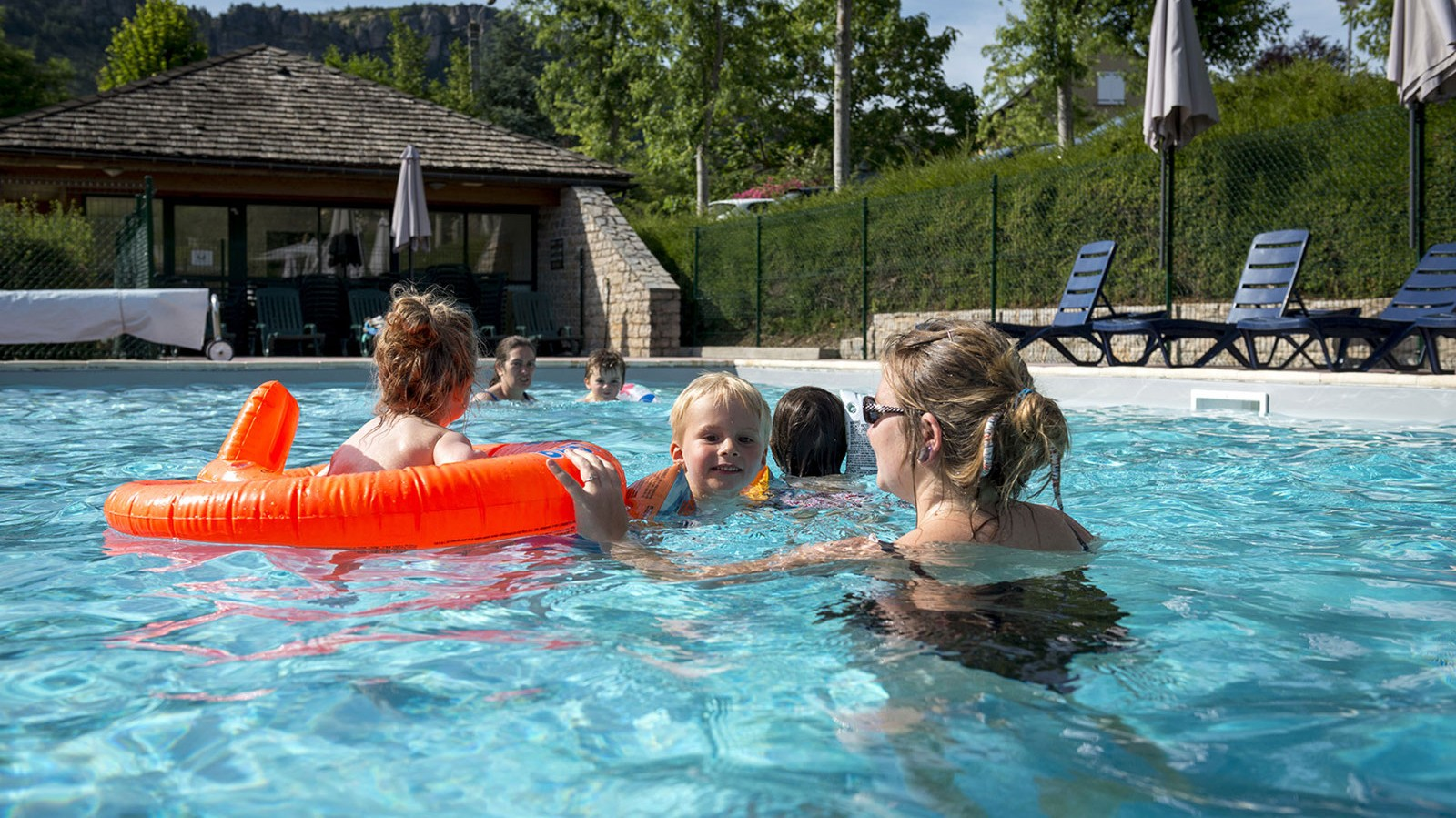 Location avec piscine à Meyrueis